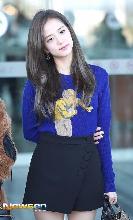 Jisoo (BlackPink) để tóc thẳng layer hay tóc xoăn cũng vẫn xinh đẹp hết phần thiên hạ - Ảnh 3