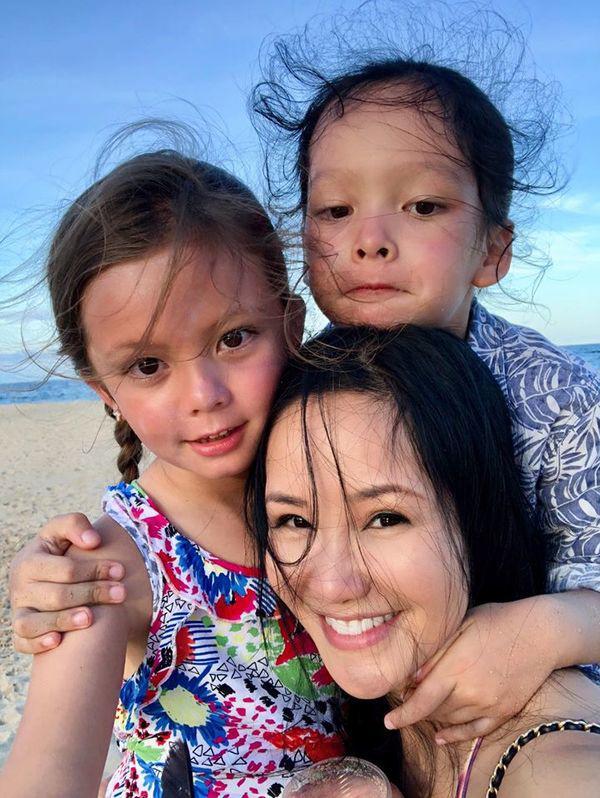 Khi Hồng Nhung khoe mặt mộc ở tuổi 50, tìm mỏi mắt chưa thấy điểm trừ - Ảnh 3