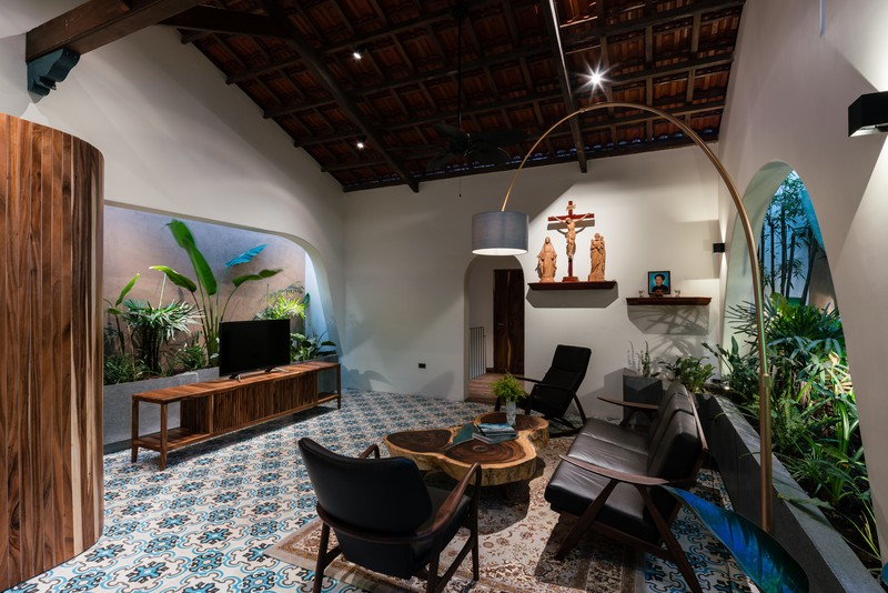 Ngôi nhà mái Thái mang phong cách truyền thống - Ảnh 2