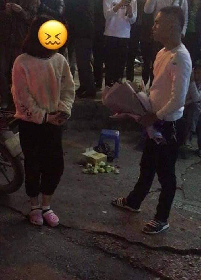 Tỏ tình bằng nến và hoa giữa đường nhưng bị từ chối, thanh niên nổi nóng hù dọa: 'Em nghĩ trốn được anh á?' - Ảnh 2