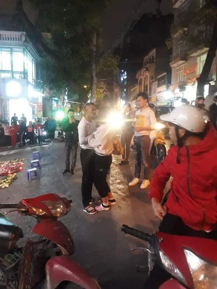 Tỏ tình bằng nến và hoa giữa đường nhưng bị từ chối, thanh niên nổi nóng hù dọa: 'Em nghĩ trốn được anh á?' - Ảnh 3