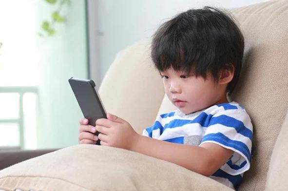 Phương pháp cai điện thoại cho con, làm cha mẹ nên nắm - Ảnh 1