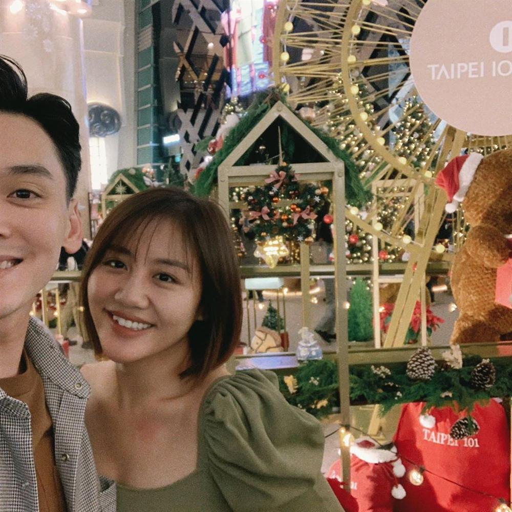 Văn Mai Hương cùng bạn trai xuất ngoại du hí sau ồn ào clip nóng - Ảnh 7