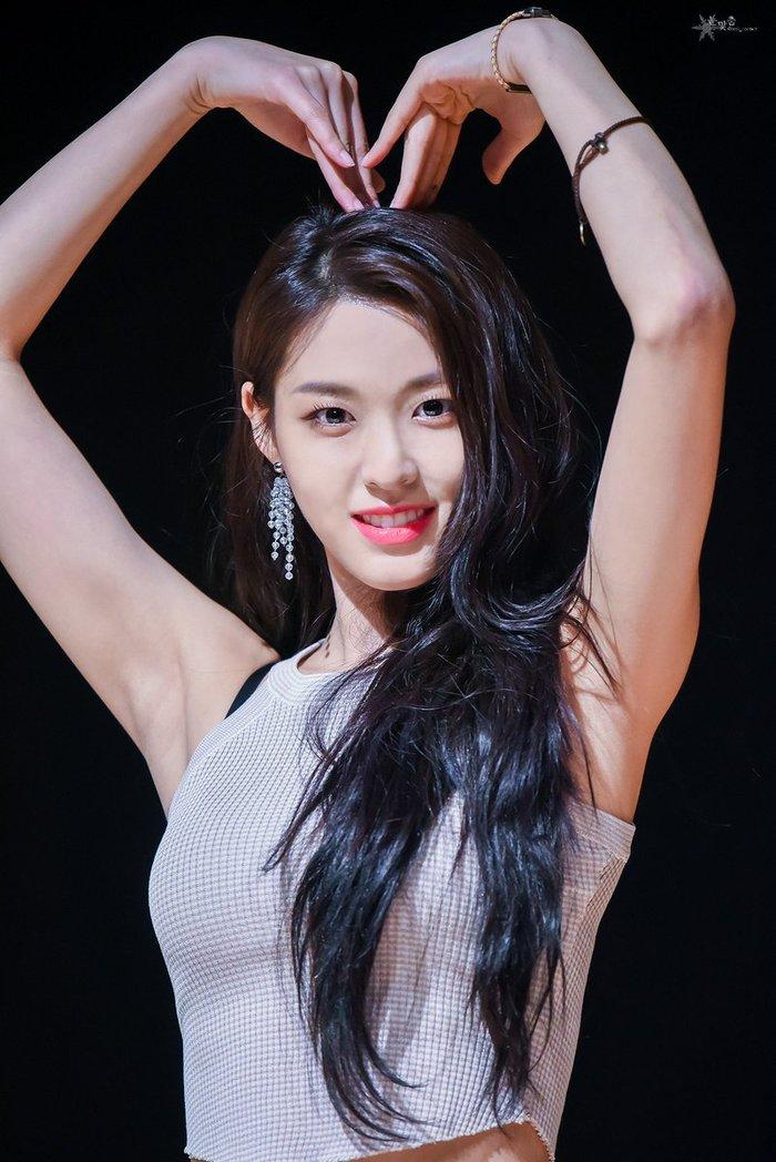 1146 người nhiễm COVID-19 ở Hàn: Seolhyun (AOA) bị Knet chửi rủa vì thái độ thờ ơ - Ảnh 6