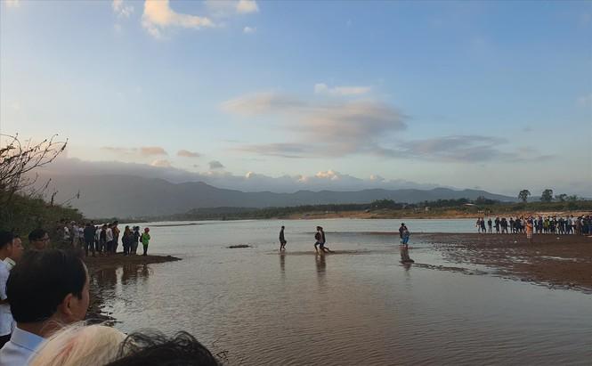 Vụ chìm ghe khiến 6 người tử vong: Ngày ăn hỏi thành đại tang - Ảnh 2