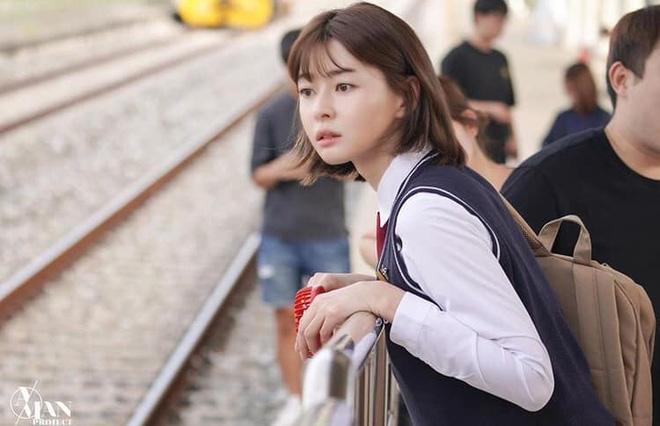 Nữ phụ 'Itaewon Class' nhan sắc xinh đẹp có khả năng cân mọi kiểu tóc - Ảnh 1