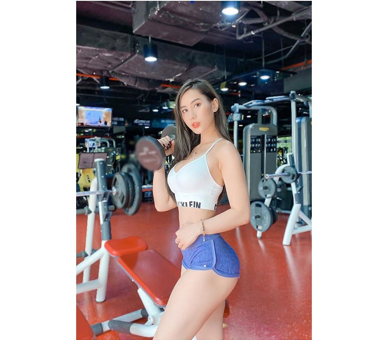 Siêng tập gym, hotgirl chẳng cần tạo dáng mà ba vòng bốc lửa vẫn hiện lên rõ mồn một - Ảnh 2