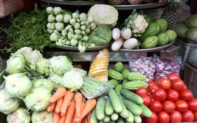 Khổ qua, rau muống... các loại rau quả dễ bị phun hóa chất - Ảnh 1