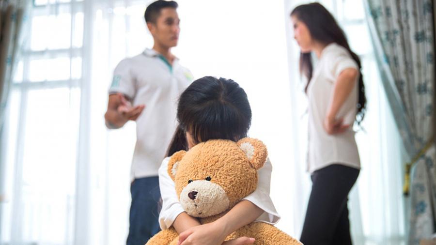 3 điều bố mẹ tuyệt đối không được làm trước mặt con bằng không sẽ hối hận - Ảnh 1