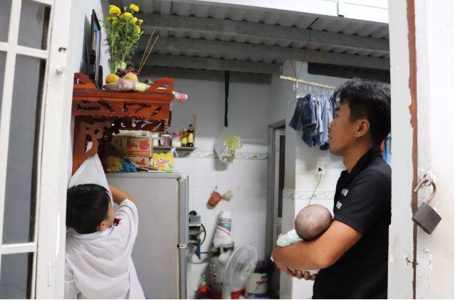 Vợ mất, chồng ôm 4 đứa con khờ dại: 'Mẹ con không về nữa đâu' - Ảnh 15