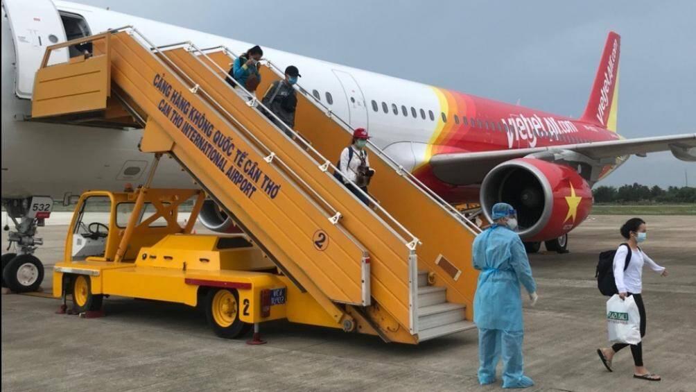 Đón hơn 100 công dân Việt Nam tại Indonesia về nước - Ảnh 1