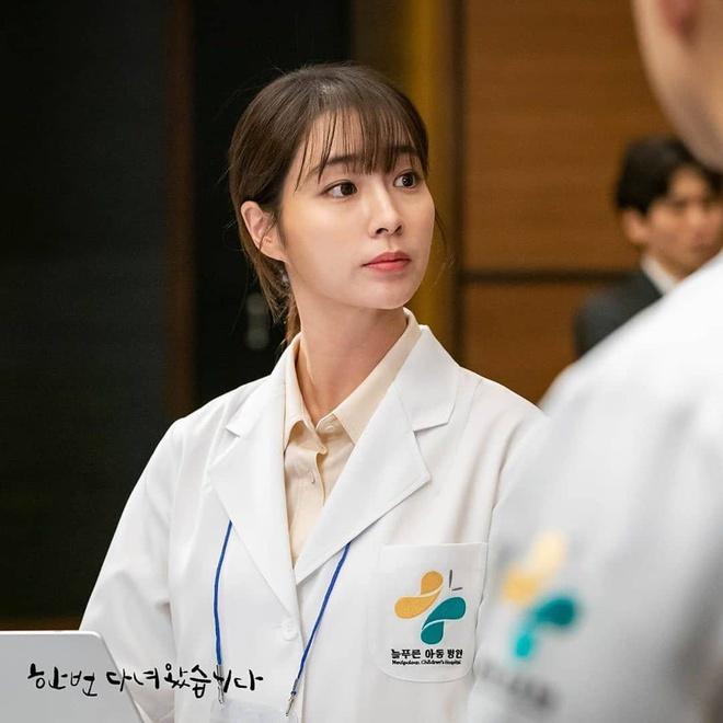 Sắc vóc Song Hye Kyo, Jang Nara thời mới nổi tiếng - Ảnh 10