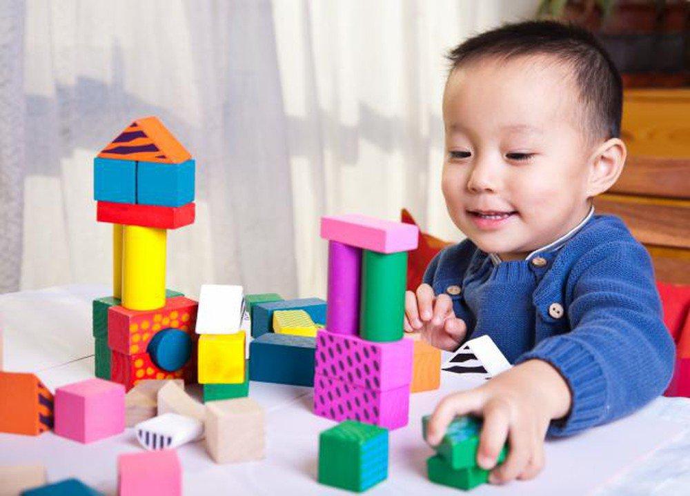 Trẻ đột nhiên thích màu sắc lạ, rất có thể bé đang gặp vấn đề về tâm lý - Ảnh 2
