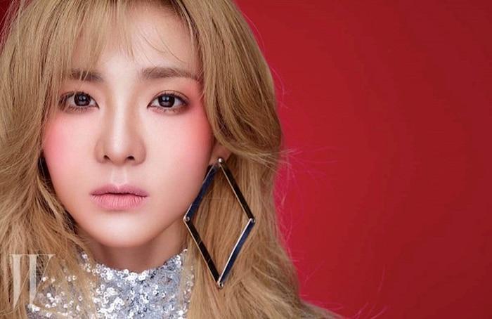 5 thần tượng Kpop từng solo cực thành công trước khi ra mắt với tư cách thành viên nhóm nhạc - Ảnh 5