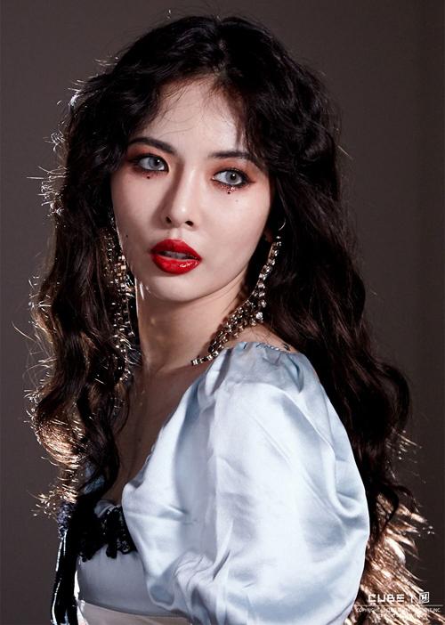 Idol Hàn 'bùng nổ nhan sắc' khi để tóc xoăn tít như mì tôm - Ảnh 15