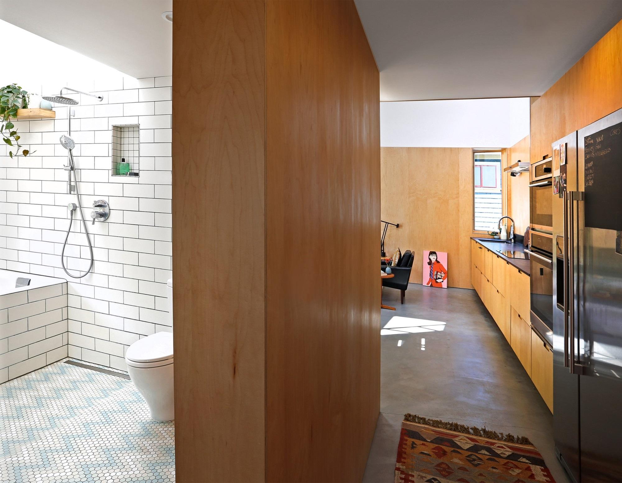 Ngôi nhà 54m² nhưng với cách thiết kế sáng tạo đã biến mặt tiền 4m thành 2 không gian vừa cho thuê vừa sử dụng tách biệt - Ảnh 6