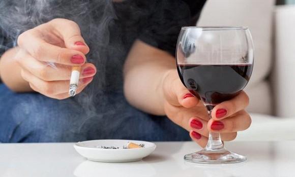 Những lý do bị ung thư phổi khiến bạn bất ngờ! - Ảnh 1