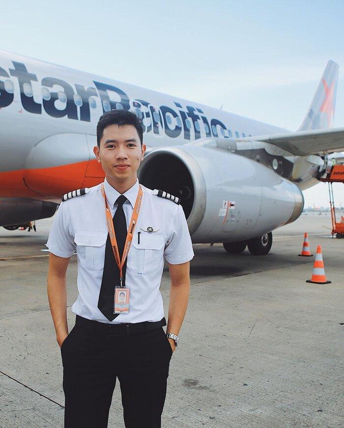 Cơ trưởng đẹp trai nhất Việt Nam gây 'choáng' khi hé lộ thu nhập 'không phải dạng vừa' của nghề phi công - Ảnh 2