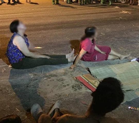 Bé trai 4 tuổi tử vong dưới hố ga không đậy nắp bên đường - Ảnh 1