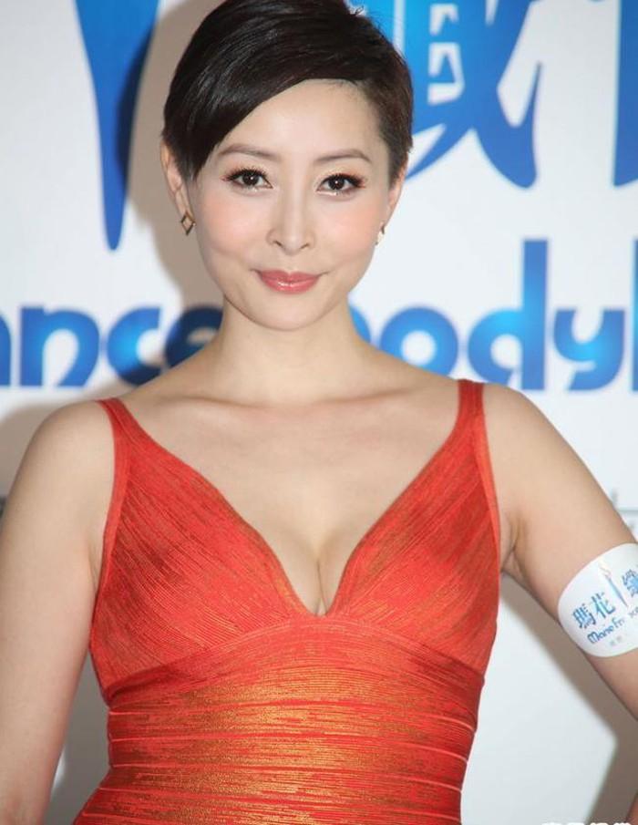 Phận đời 4 mỹ nhân TVB cùng tên Doanh: người giàu sang phú quý, kẻ quy y cửa Phật - Ảnh 10