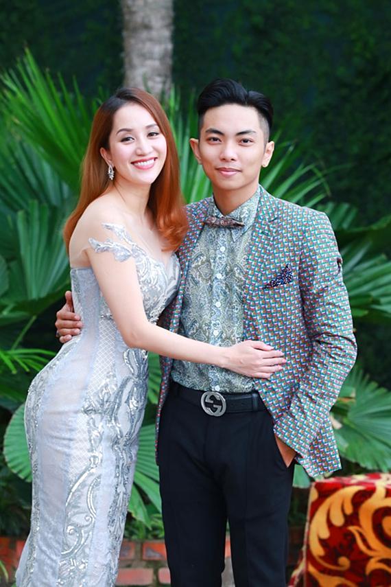 Có con lớn nhưng chưa tổ chức lễ cưới, sao Việt có cuộc sống vạn người mơ mặc dù chưa 'danh chính ngôn thuận' - Ảnh 1