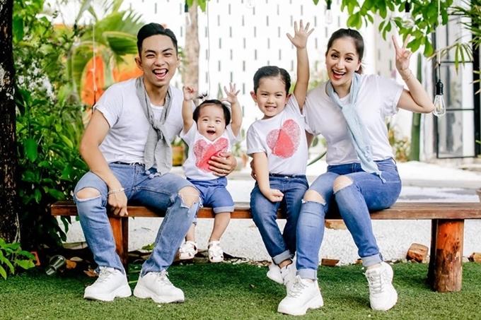 Có con lớn nhưng chưa tổ chức lễ cưới, sao Việt có cuộc sống vạn người mơ mặc dù chưa 'danh chính ngôn thuận' - Ảnh 2