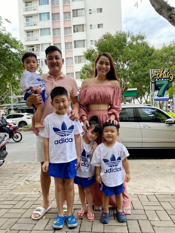 Có con lớn nhưng chưa tổ chức lễ cưới, sao Việt có cuộc sống vạn người mơ mặc dù chưa 'danh chính ngôn thuận' - Ảnh 5