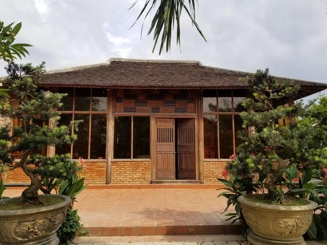 """Choáng ngợp """"biệt phủ"""" gỗ hoành tráng rộng 1300m2 ở Nha Trang - Ảnh 2"""