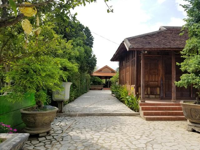 """Choáng ngợp """"biệt phủ"""" gỗ hoành tráng rộng 1300m2 ở Nha Trang - Ảnh 3"""