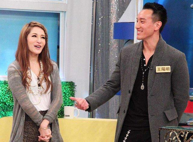 Diva hàng đầu xứ Đài có hẳn bộ sưu tập 'phi công trẻ', tình mới nhất kém cô 16 tuổi - Ảnh 4