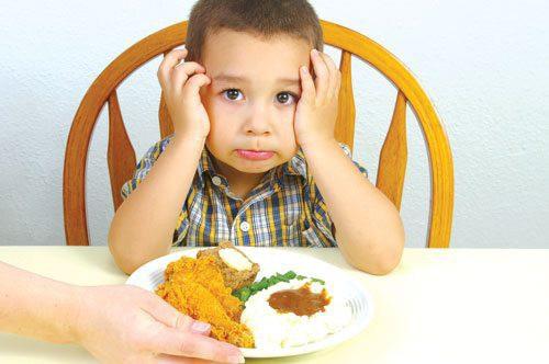 Trẻ biếng ăn, nghiện sử dụng điện thoại sau Tết: Đây là cách giúp con trở lại cuộc sống thường ngày - Ảnh 4