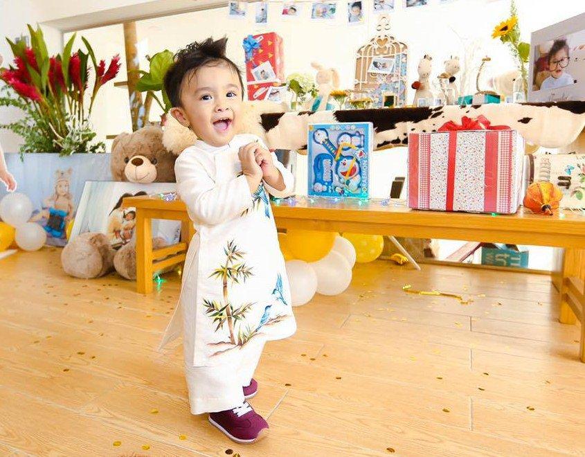 5 nhóc tỳ con lai cực đáng yêu của sao Việt, bé thứ 3 khiến ai cũng để ý - Ảnh 18