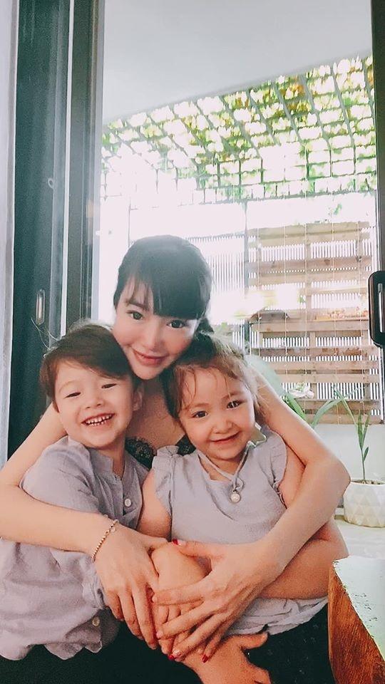 Hậu nghi vấn đổ vỡ hôn nhân, Elly Trần bất ngờ tiết lộ đã lâu lắm rồi không được gặp con - Ảnh 2