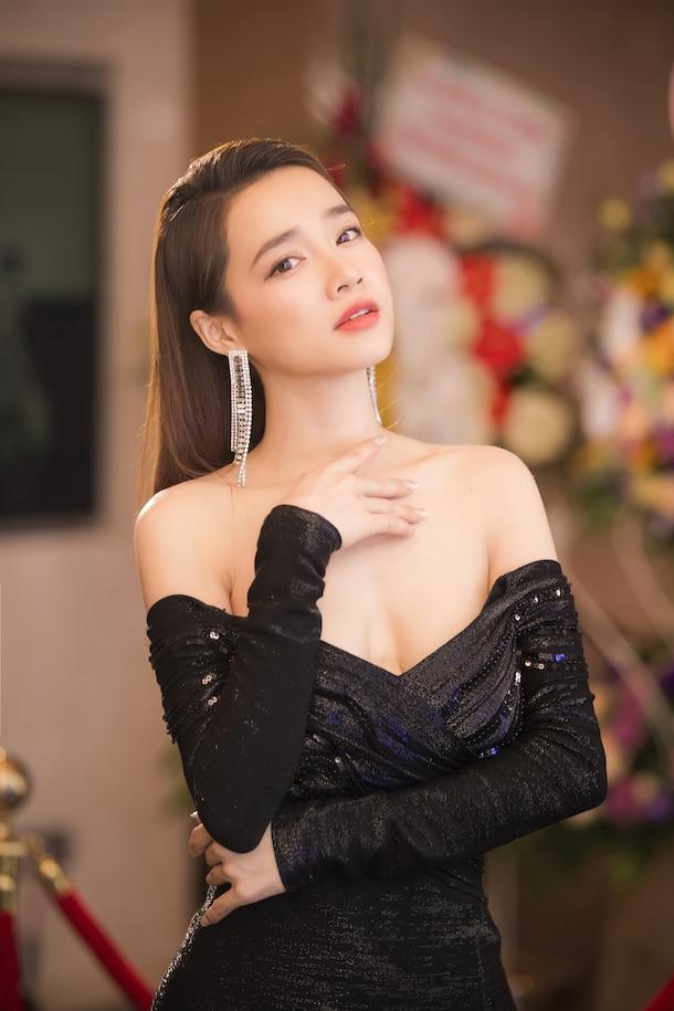 Sao Việt có gương mặt ngây thơ nhưng body lại bốc lửa: Nhã Phương là nhân tố bất ngờ - Ảnh 20