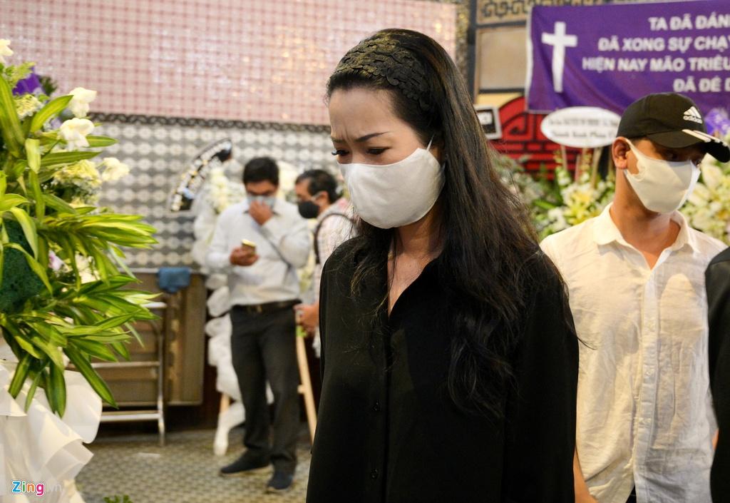 Trương Quỳnh Anh, Ốc Thanh Vân khóc đưa tiễn Mai Phương về nơi an nghỉ - Ảnh 3