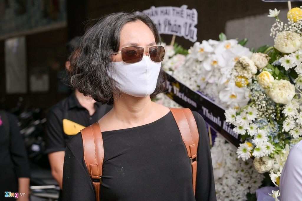 Trương Quỳnh Anh, Ốc Thanh Vân khóc đưa tiễn Mai Phương về nơi an nghỉ - Ảnh 8