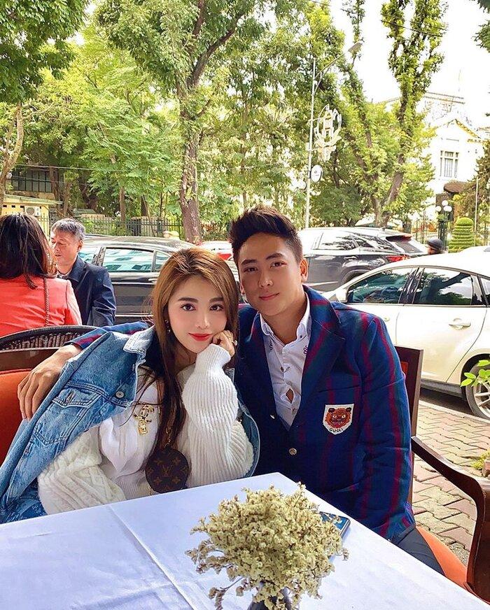 Sau một năm tổ chức đám cưới 'khủng', cuộc sống của dàn rich kid Việt bây giờ ra sao? - Ảnh 11