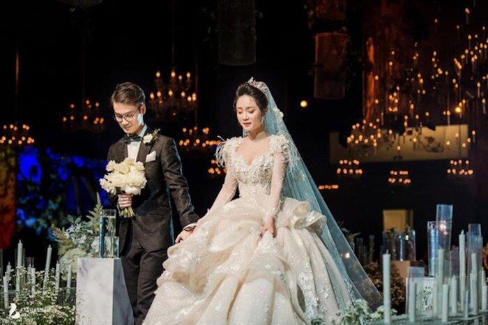 Sau một năm tổ chức đám cưới 'khủng', cuộc sống của dàn rich kid Việt bây giờ ra sao? - Ảnh 13