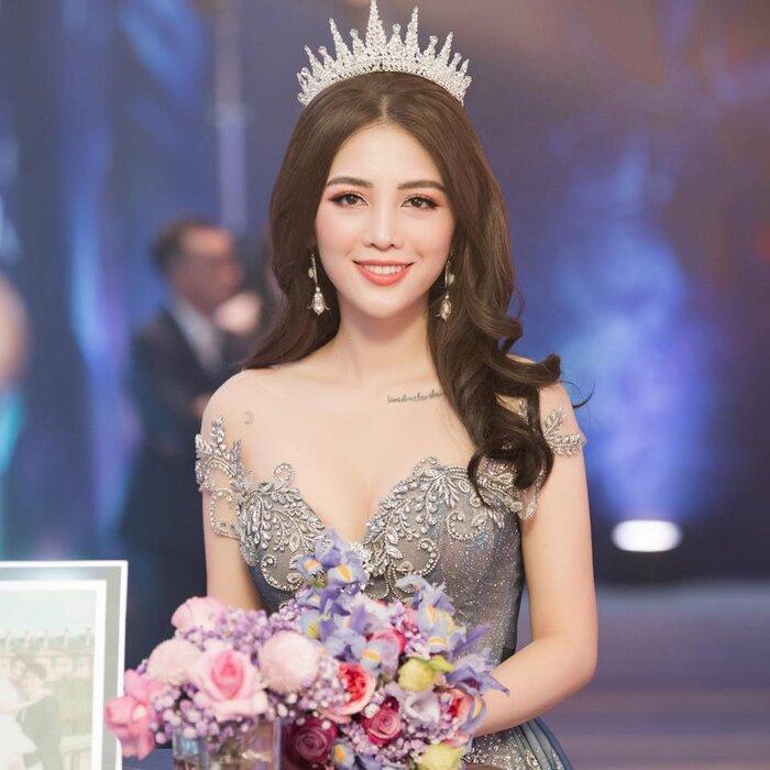Sau một năm tổ chức đám cưới 'khủng', cuộc sống của dàn rich kid Việt bây giờ ra sao? - Ảnh 8