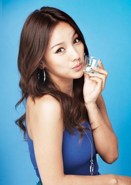 Lee Hyori ở tuổi 25 từng cô độc, nghiện rượu, bị đồn cặp kè đại gia - Ảnh 3