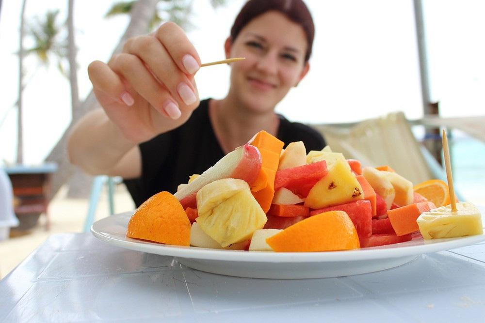 8 thói quen xấu cần tránh sau khi ăn gây 'bất lợi đủ đường' cho cơ thể - Ảnh 3