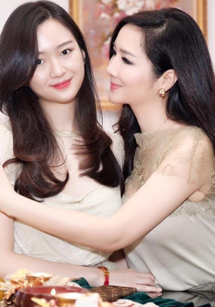 Hiếm hoi xuất hiện bên mẹ, con gái Hoa hậu Giáng My gây chú ý vì nhan sắc 'khác lạ' - Ảnh 5