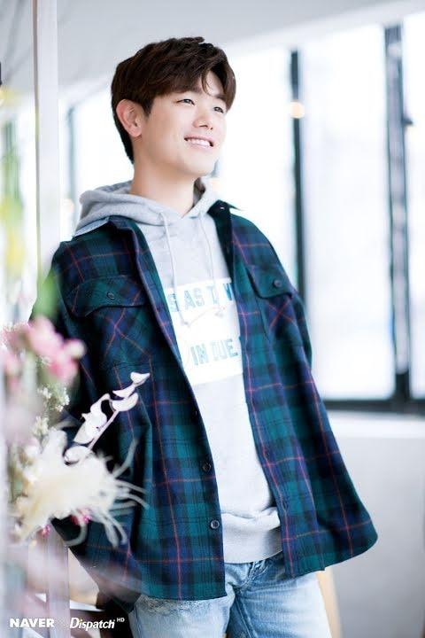 8 idol Kpop từng là nạn nhân của bắt nạt học đường: Từ Kang Daniel, V đến cả G-Dragon - Ảnh 6