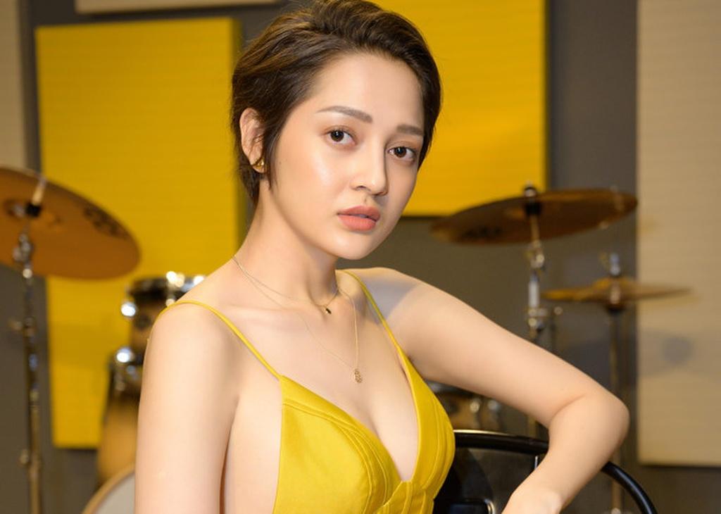 Sự nổi lên của Hoàng Thùy Linh và cuộc đua từ các nữ ca sĩ Việt - Ảnh 2