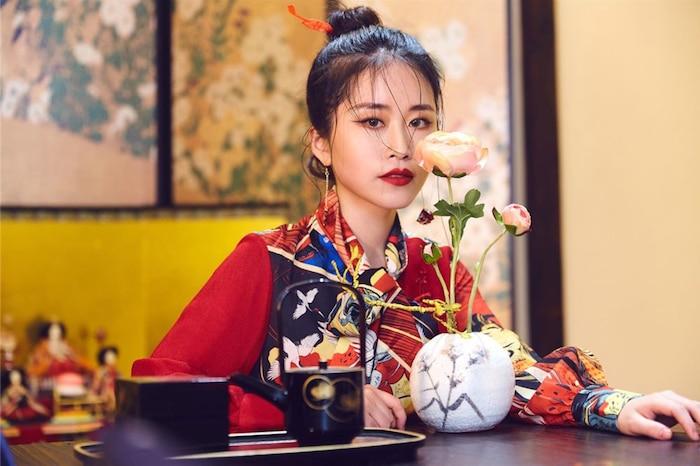 Không phải Lý Tử Thất, đây mới là vlogger nữ Trung Quốc có thu nhập cao nhất YouTube - Ảnh 5
