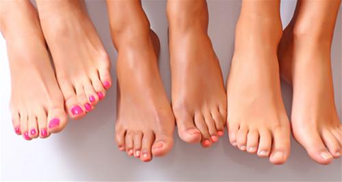 Xòe bàn chân ra để xem: Ngón chân dài ngắn sẽ tiết lộ cực chuẩn tương lai của bạn sang hay hèn - Ảnh 1