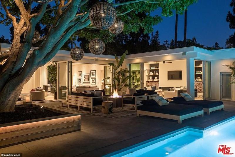 Ngắm căn biệt thự triệu đô xa hoa của vợ chồng siêu mẫu Cindy Crawford - Ảnh 2