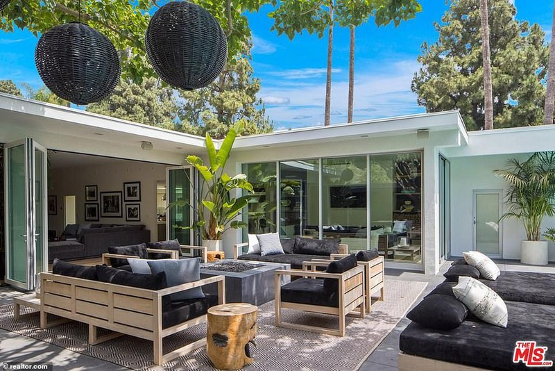 Ngắm căn biệt thự triệu đô xa hoa của vợ chồng siêu mẫu Cindy Crawford - Ảnh 12