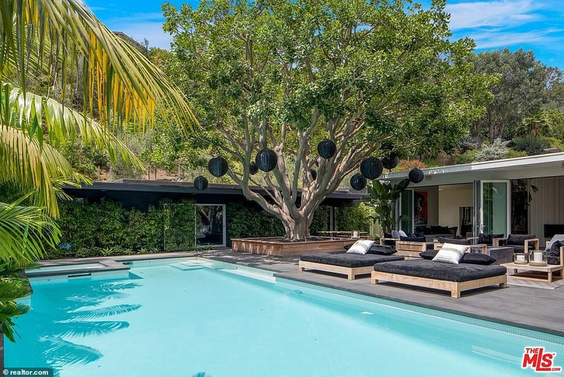 Ngắm căn biệt thự triệu đô xa hoa của vợ chồng siêu mẫu Cindy Crawford - Ảnh 13
