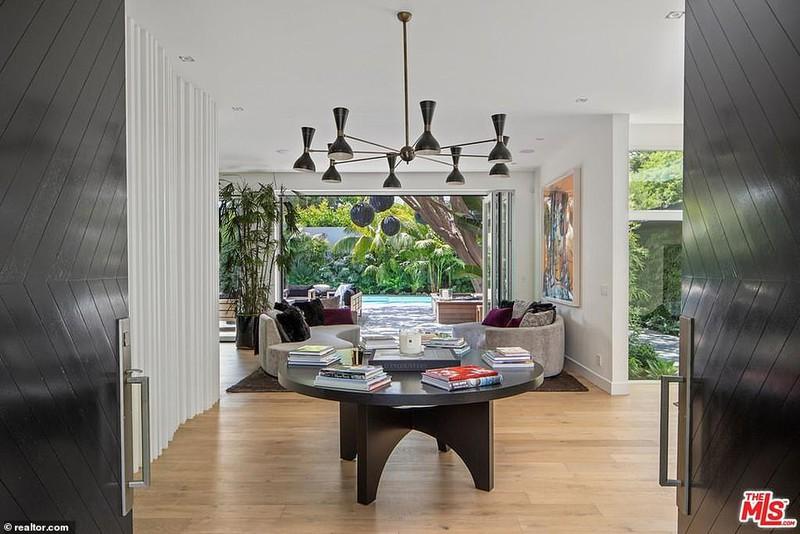 Ngắm căn biệt thự triệu đô xa hoa của vợ chồng siêu mẫu Cindy Crawford - Ảnh 6